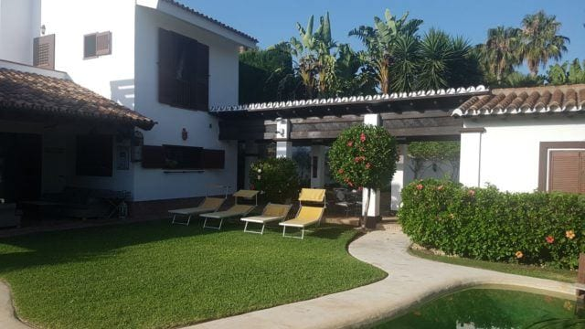 Golden Mile Villa for sale and rent