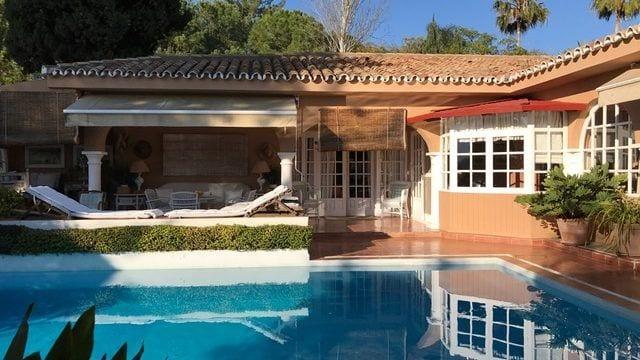 Marbella East villa in exclusive community for sale