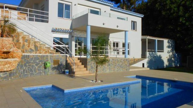 Mijas Campo open plan villa with Seaviews only 599.000