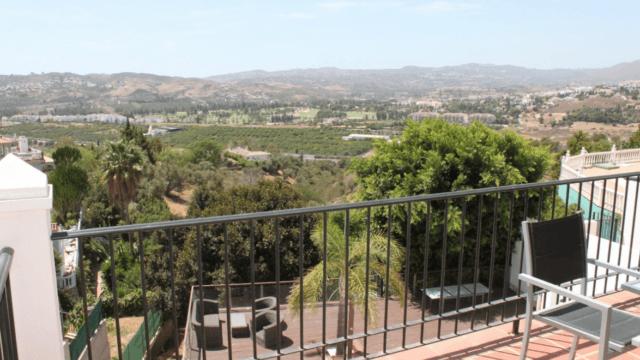 Sierrezuela 6 bed west facing villa only 595.000 euros