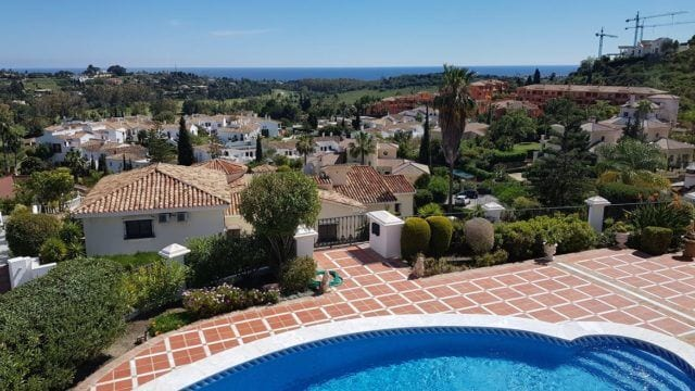 El Paraiso villa for sale with Panoramic Sea & Golf views