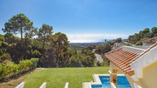 Monte Mayor – Bargain villa with Sea views Gated community