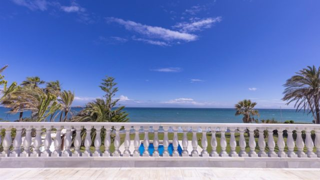 SOLD – Beachfront Mansion for sale.10min from Puerto Banus.
