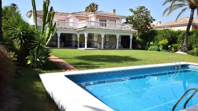 San Pedro Alcántara – Spectacular villa for sale Price: € 980,000