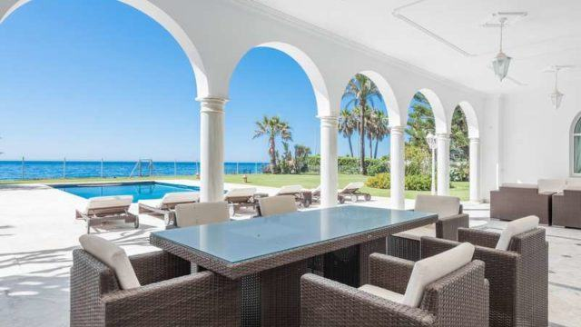 REDUCED – Beachfront Mansion for sale.10min from Puerto Banus.