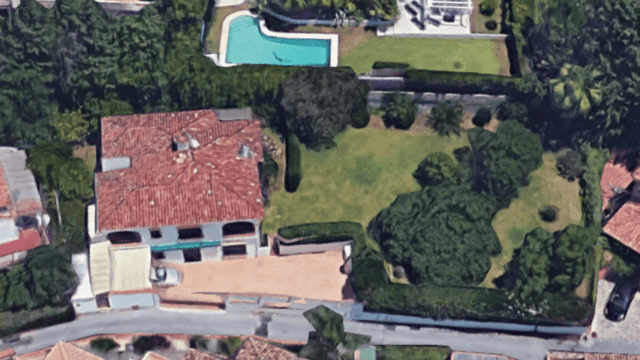 Bargain – Nueva Andalucia villa to reform for sale