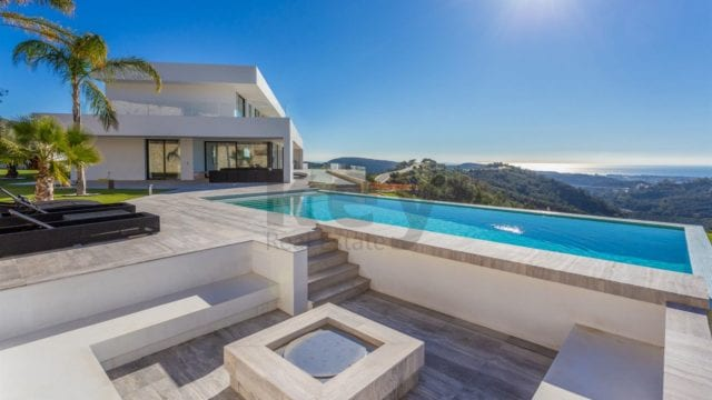 Reduced – Benahavis 7 bedroom modern villa with Sea views