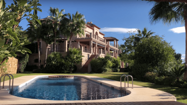 Reduced – Marbella Club Golf Resort Luxury villa with Sea Views