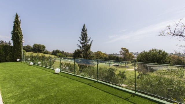 Benahavis – Modern villa 1st line Golf, gated community & nice open Views