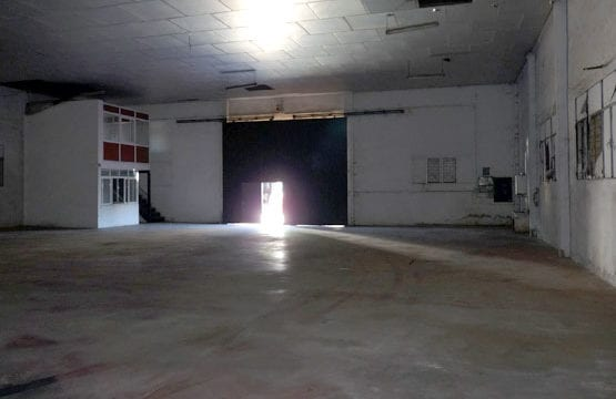 Warehouse for sale in Malaga with easy finance