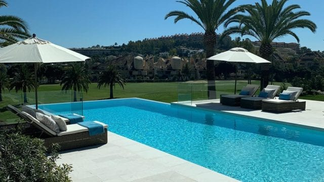 Nueva Andalucia villa 1st line golf for sale