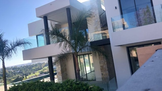 Benahavis new modern villa with panoramic views to Sea and Golf