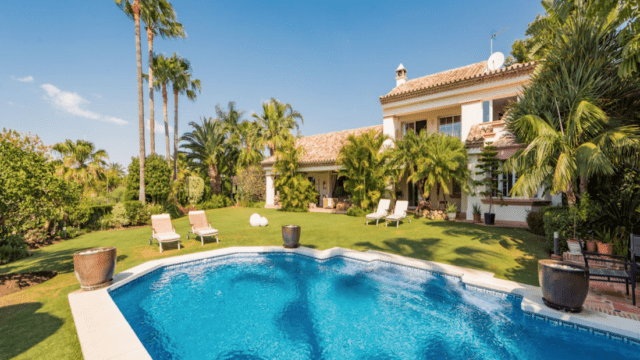 Altos Reales villa for sale in gated community – Marbella Golden Mile
