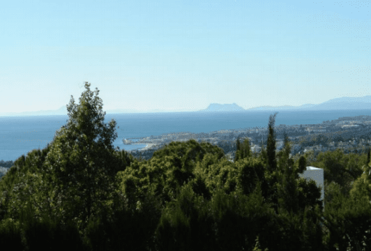 Sierra Blanca villa for sale with Sea views