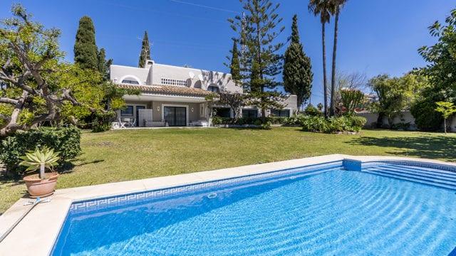 Bargain – New golden mile 6bed villa near facilities