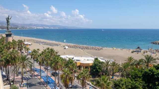 Puerto Banus 2bedroom apt. on 6th floor with wonderful Seaviews & 3 parking spaces