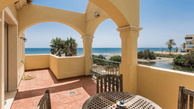 1st line beach luxurious Villa for sale in Marbella