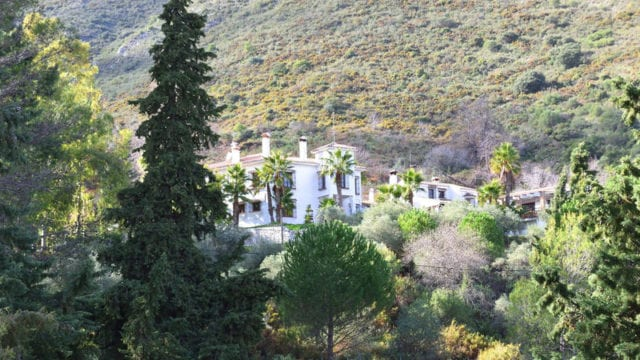 Ojen Finca +300.000m2 Plot – 8 Bed Country House for sale