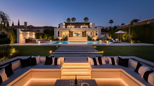 Nueva Andalucia 7bedroom new modern Golf villa for sale
