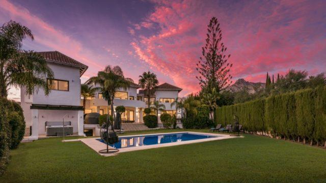 Golden Mile 8 bedroom quality villa for sale