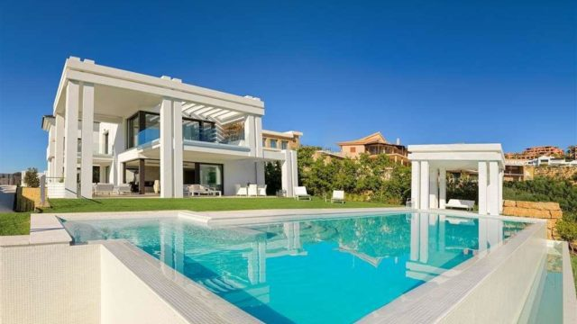 Reduced – Benahavis new Villa for sale with Golf and Sea Views