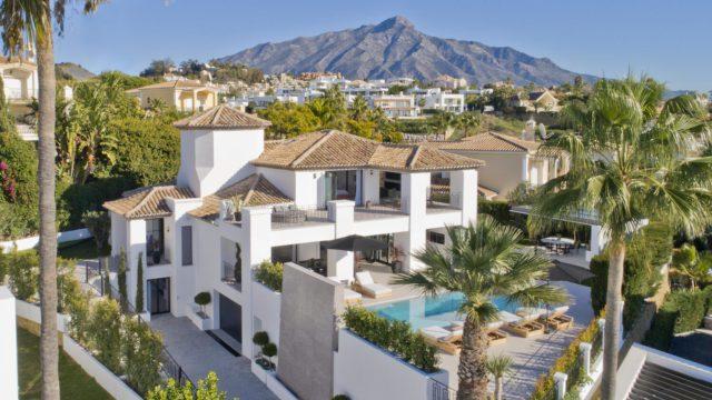 Nueva Andalucia – Contemporary villa for sale