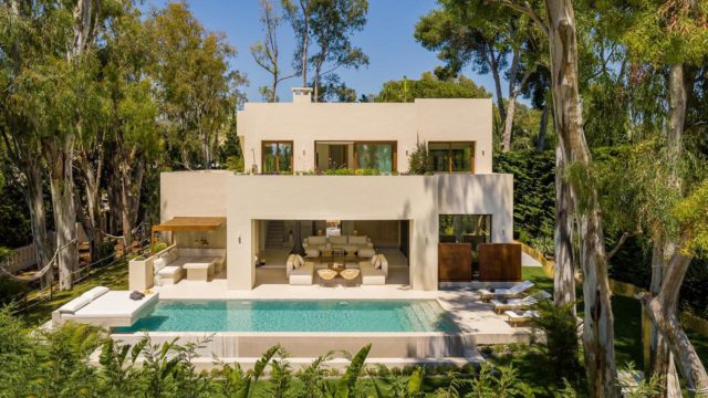 Marbella East new Luxury villa for sale near Beach