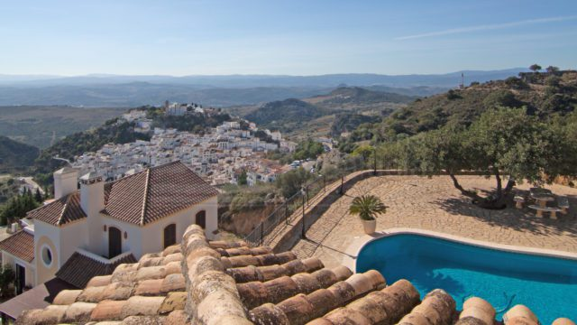 Casares hilltop villa for sale with panoramic views