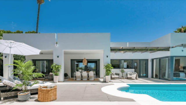 Nueva Andalucia totally reformed villa for sale
