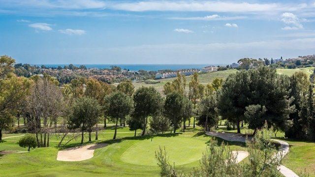 Bargain -Atalaya Golf modern villa in Gated community with Seaviews