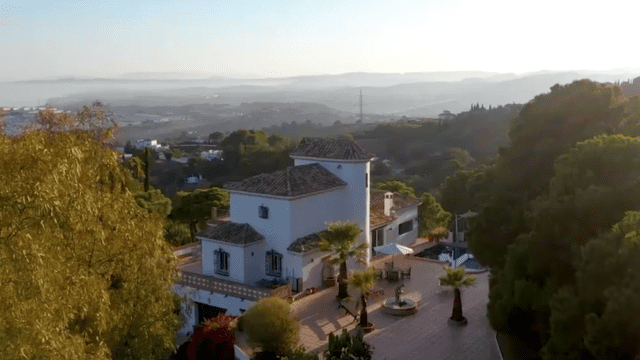 Estepona villa for sale with Panoramic views