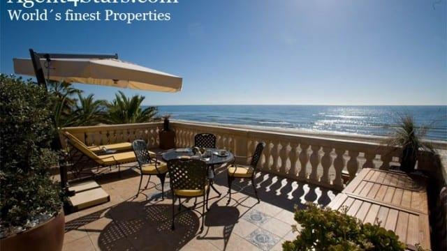 Amazing Beach villa with sea views