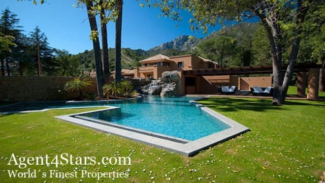 Marbella hillside Mansion in exclusive gated urbanization for sale & rent