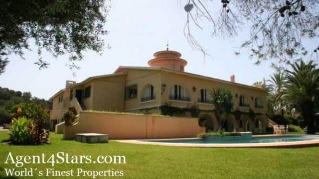 Reduced.Finca on Marbella´s Golden Mile plot of 50,000m2