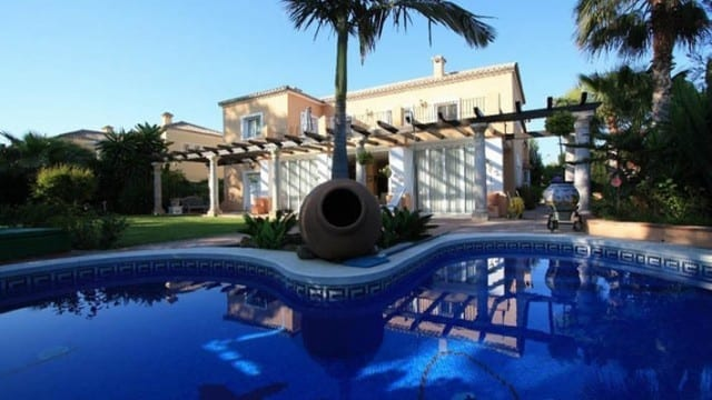 Bargain – Golf villa for sale Guadalmina
