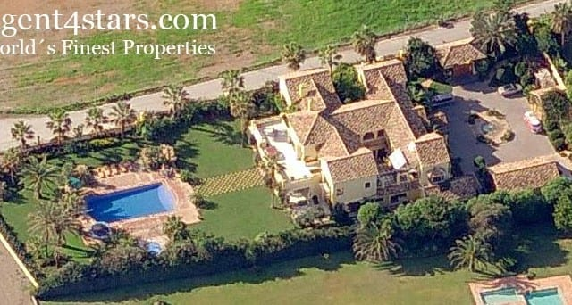 Beachfront Mansion west of Marbella for sale