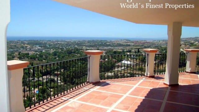 Benahavis villa with Amazing Panoramic Views