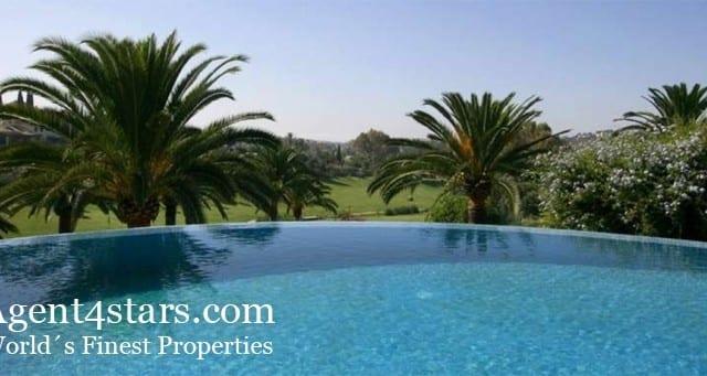 Half price.Large Quality Villa in Nueva Andalucia